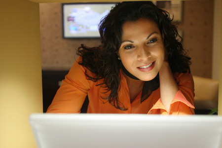 http://www.darrenlittle.com/wp-content/uploads/2010/09/woman-on-computer51.jpg